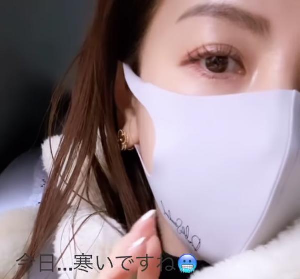 モデル美香インスタストーリー ダブルスタンダードマスク画像