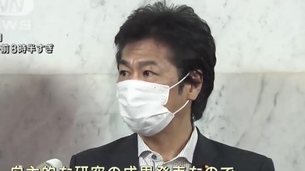 田村厚労大臣着用不織布マスク