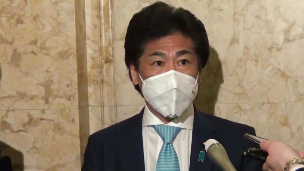 田村大臣着用不織布マスク