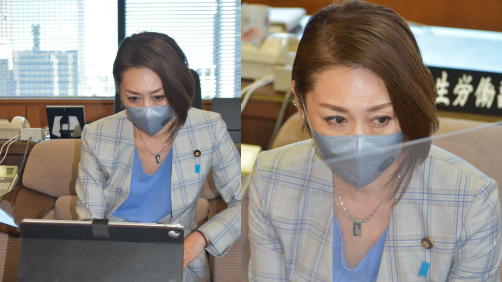 三原じゅん子さんが着用している立体型スパン不織布マスク姿